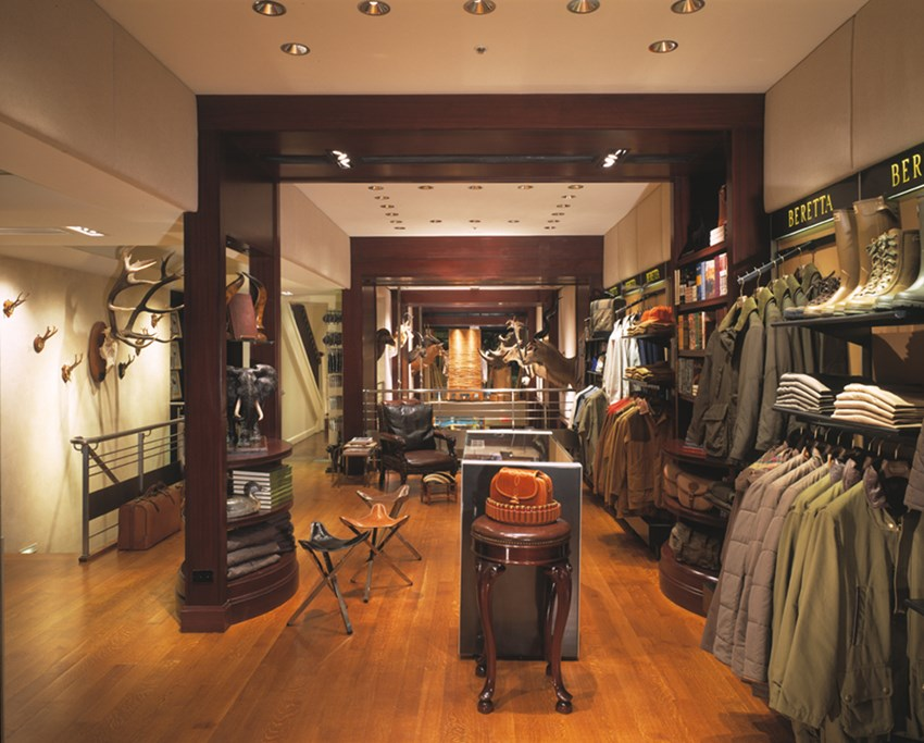 Store Interior Design - Beretta NY - Gun Focused Design