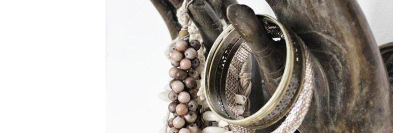 Beautiful Mannequin Jewelry Display Hands