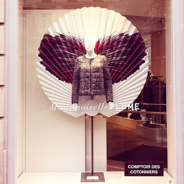Visual merchandising window display ideas from france zen - Comptoir des cotonniers mademoiselle plume ...