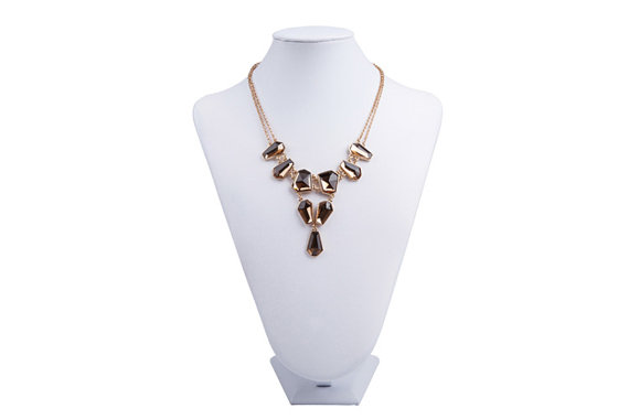 necklace-display-stand-example