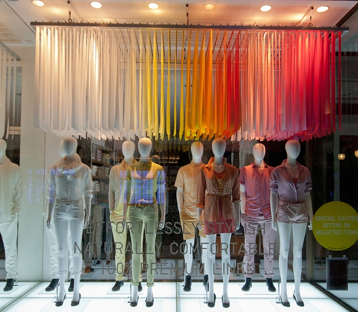 Uniqlo london spring window display