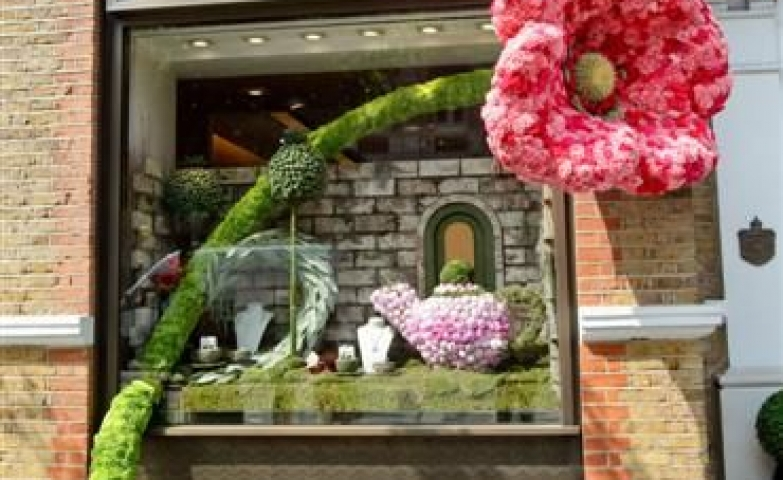Cartier giant 3D flower spring window display