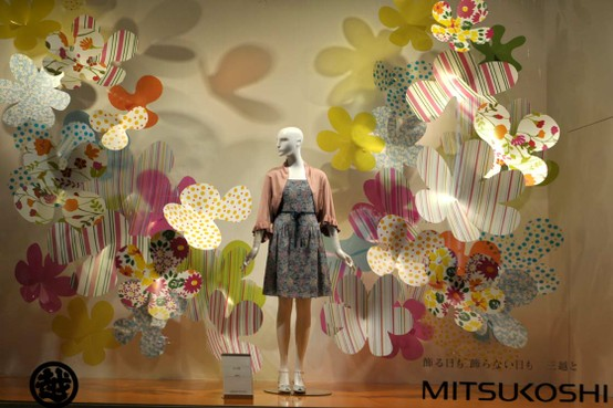 Mitsukoshi paper flowers spring window display