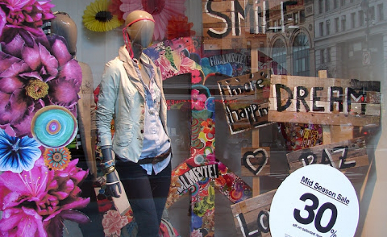 Desigual inspirational spring window display