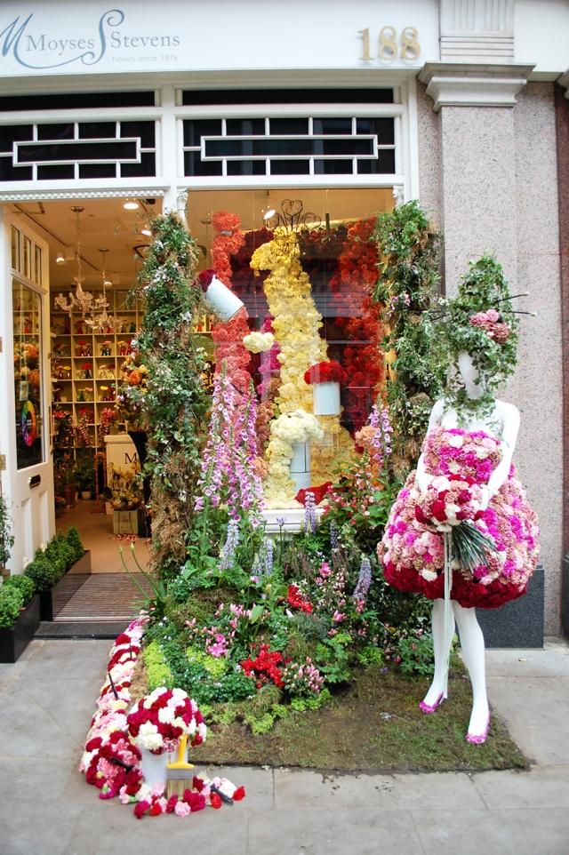 Moyses stevens overflowing flowers spring window display