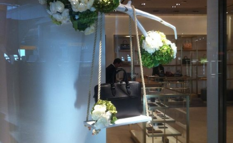 Mulberry flower swing spring window display