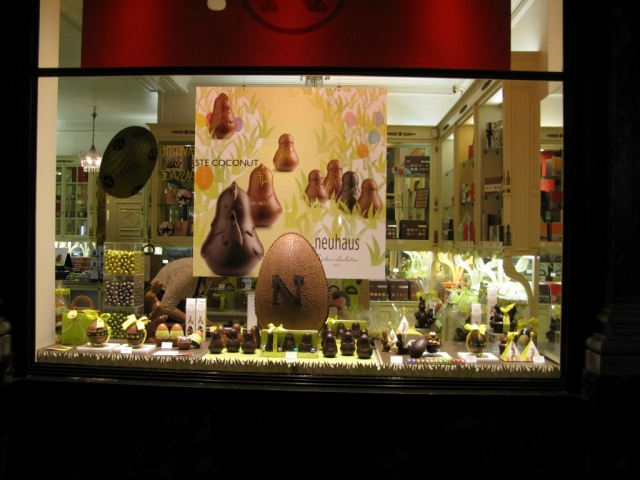 In Burssels, the window display is decorated for Easter in a tidy way, with those delicious looking chocolate eggs.