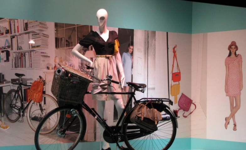 Galeries Lafayette bike spring window display