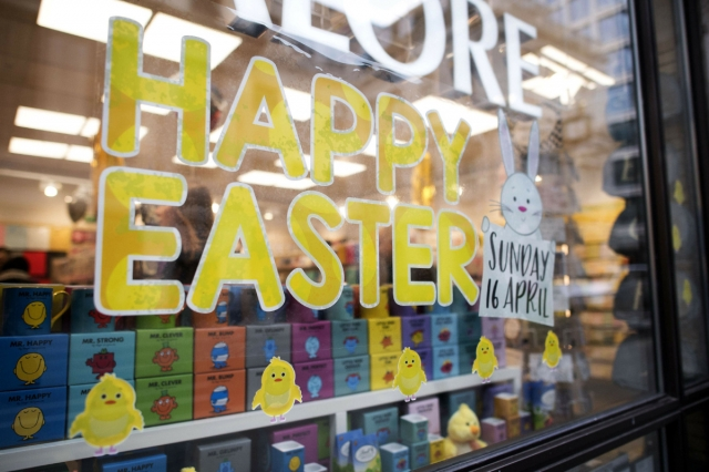 Saving the date for the Easter, with this cute bunny stuck on the window display. We also have chicken stickers and a happy Easter message.