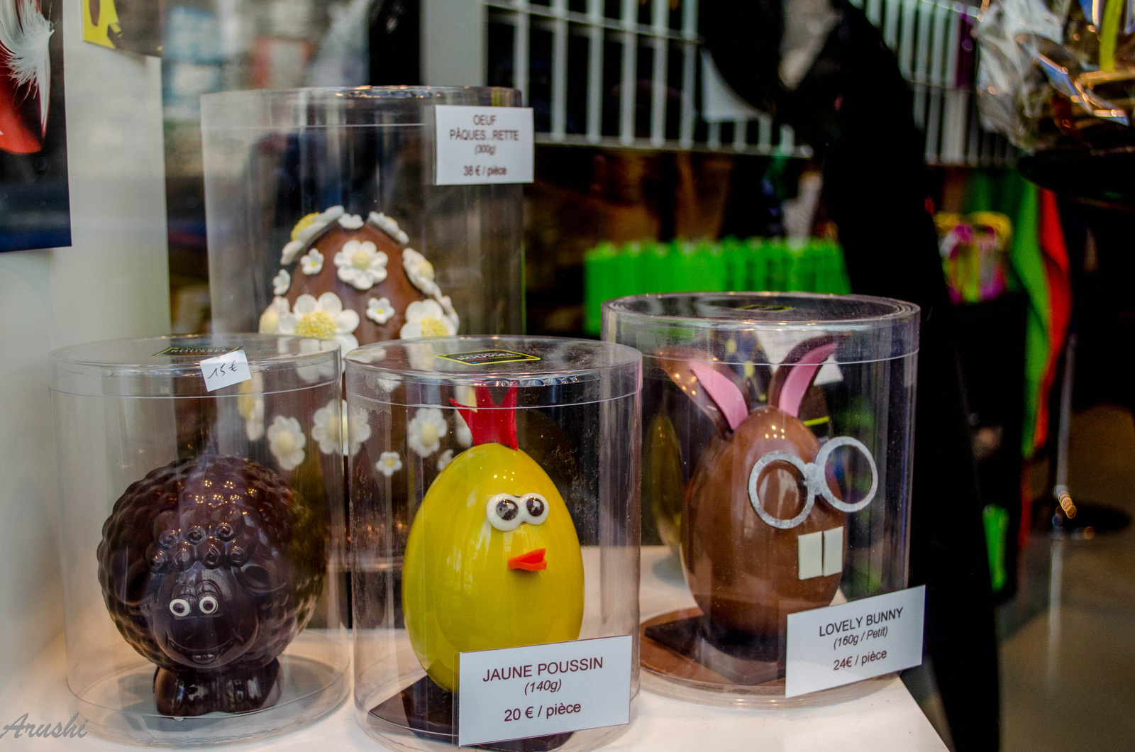 In Paris, the Easter chocolate eggs and sheep, were placed in transparent boxes for a better protection and for a better look at the window display.