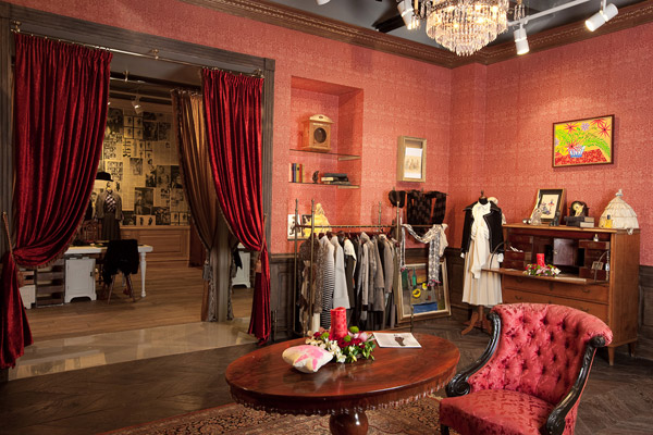 MoodSwings - New Store Design Dedicated To Women - Shopper Welcome Area