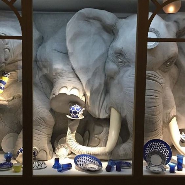 """This display is inspired in the old saying """"A bull in a china shop"""" and it's absolutely brilliant, great inspiration."""