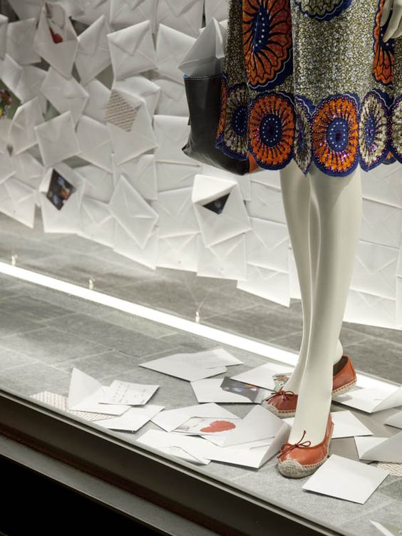 ¨Letter to you, letter from you¨display installation by Kazunori Matsumura with TYMOTE, in Tokyo.