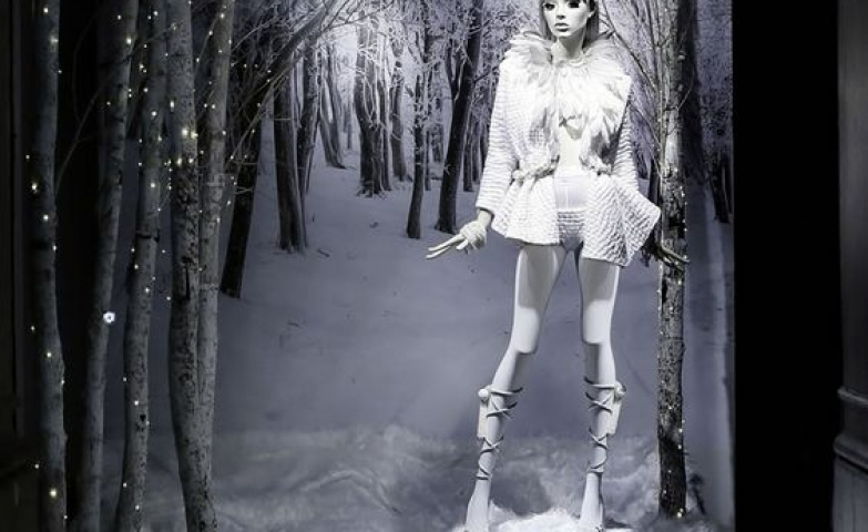 White forest visual merchandising display by Dilo for their winter campaign in 2015, Barcelona.