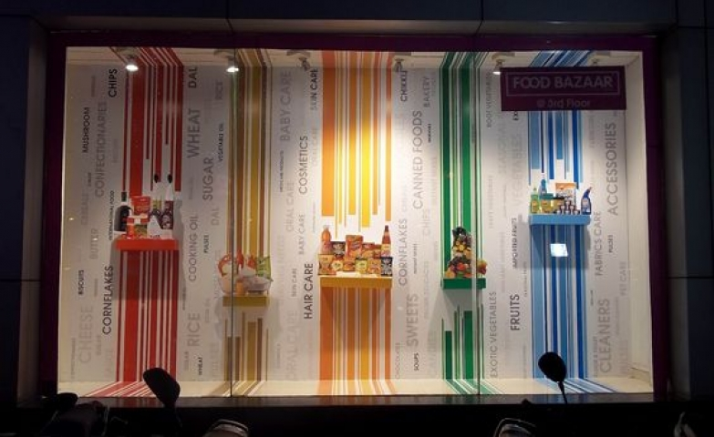Visual merchandising window display ideas from india zen for Show window designs