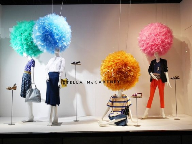 Always adding something special to the display is a great idea like this Stella McCartney window in Japan.
