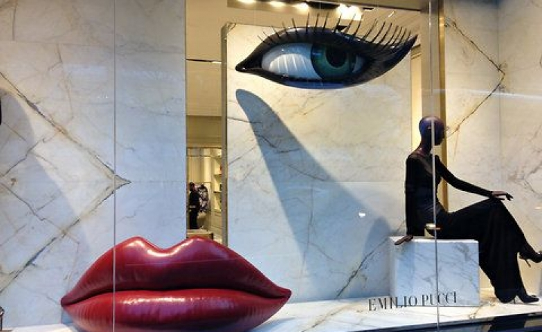 Mesmerizing window display with feminine eye and red lips by Emilio Pucci, in NY 2012.