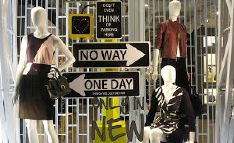 DKNY bring the NYC experience to London with their trademark signage display.