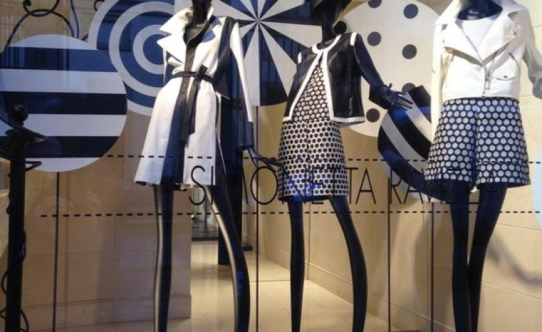 Patterns, navy colors and circles used to create a merchandise display for Simonetta Ravizza, Spring 2015 Milan.