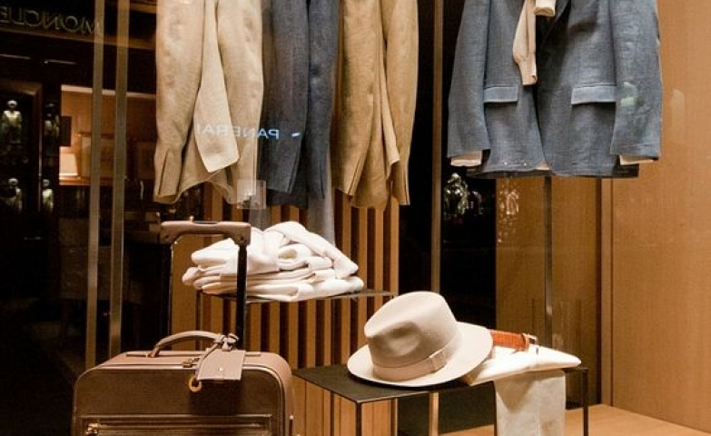 Loro Piana visual merchandising window display for the Spring collection, Paris – France.