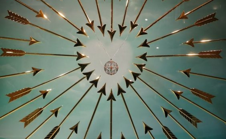 Tiffany & Co's Valentine window display with arrows pointing to a heart shape in London.
