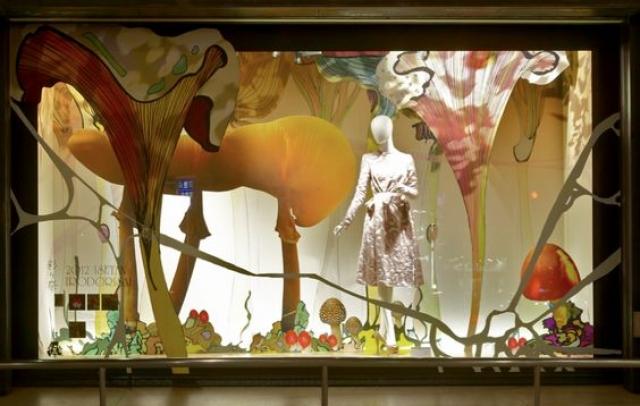 Isetan window display inspired in the beauty of mushrooms and fungus designed by VM -PRZEMEK SOBOCKI.