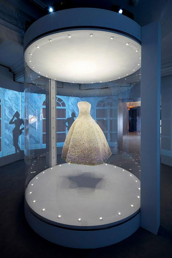 gvm-london-dior-display