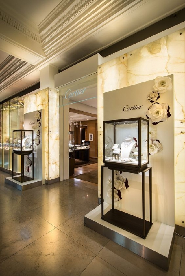 Millington Associates created an elegant display for the Cartier Bridal collection at Harrods.