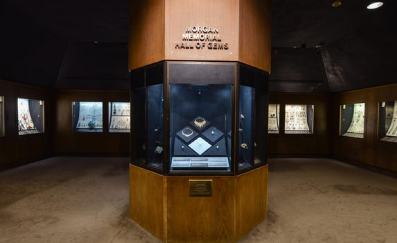 Exhibits of precious and ornamental stones at The Morgan Memorial Hall of Gems
