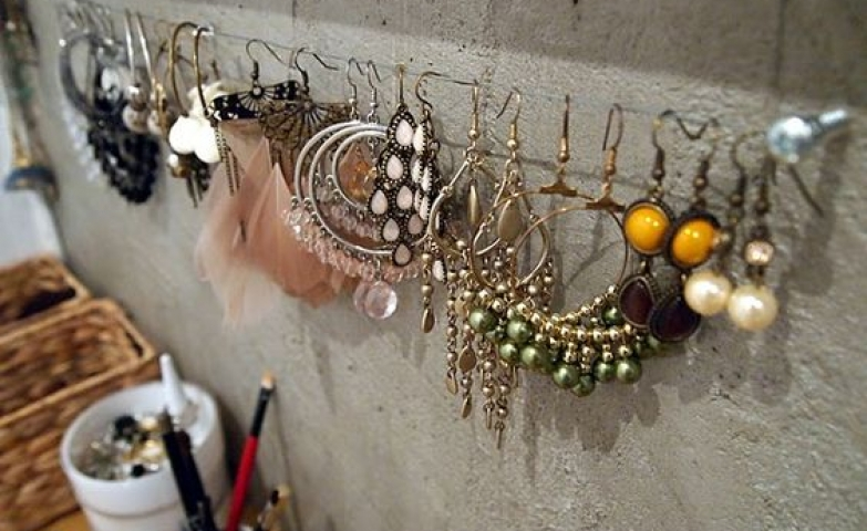 This earring storage solution is clever, simple and elegant for both home and store.