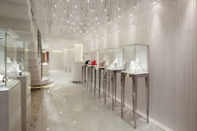 The name and the decor are perfect for GALA BRIDAL jewelry shop, designed by Ichiro Nishiwaki Design Office, Tokyo – Japan.