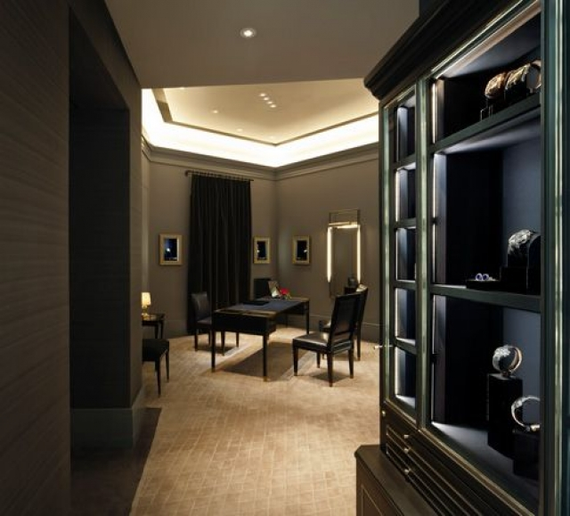 Harry Winston salon in Shanghai looks just like a cozy home, you don't even notice that you are shopping.