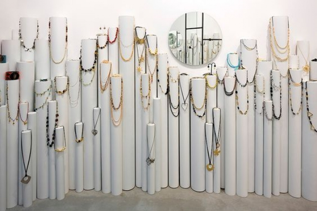 Jewelry store design by Chezi Levy represents simplicity but gives every piece its unique place to shine.