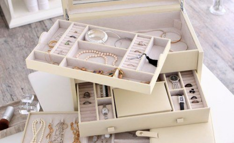 Holden extra large jewelry box, covered in ivory colored bonded leather.
