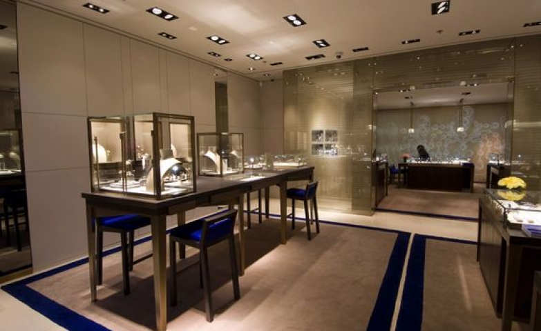 Chaumet jewelry store interior. Spacious, elegant and most of all very bright.