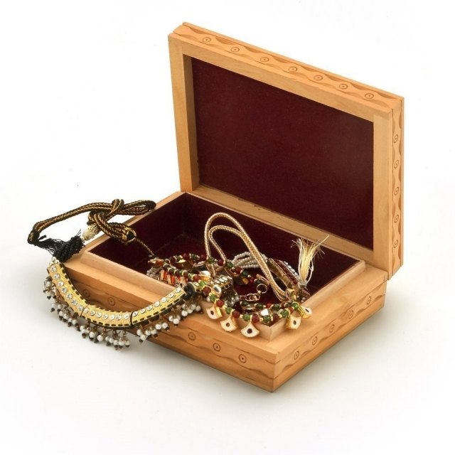 Wooden jewellery box, ideal for gemstone and jewelry storage.