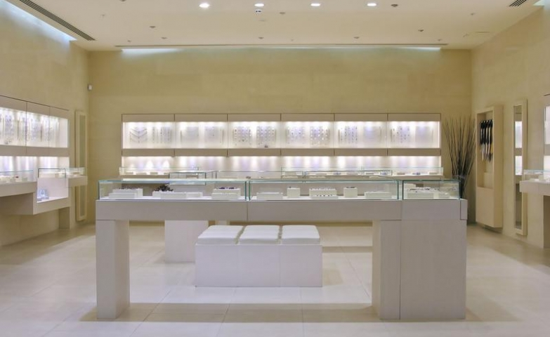 Ideas For Jewelry Store Design With Bright Colors To Make The Most Elegant  Pieces Pop.