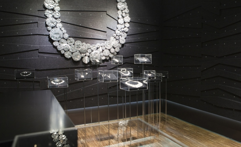 Black walls and diamond necklace imitating decoration, a very original design for Kalevala Koru flagship store by Happimaa, Helsinki – Finland.