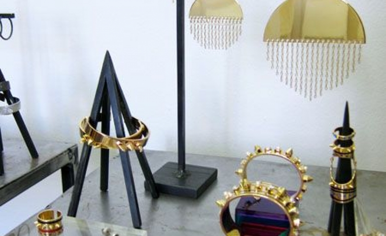 Original work by Maria Francesca Pepe. Both the jewels and the holders and hangers are very unique and original.