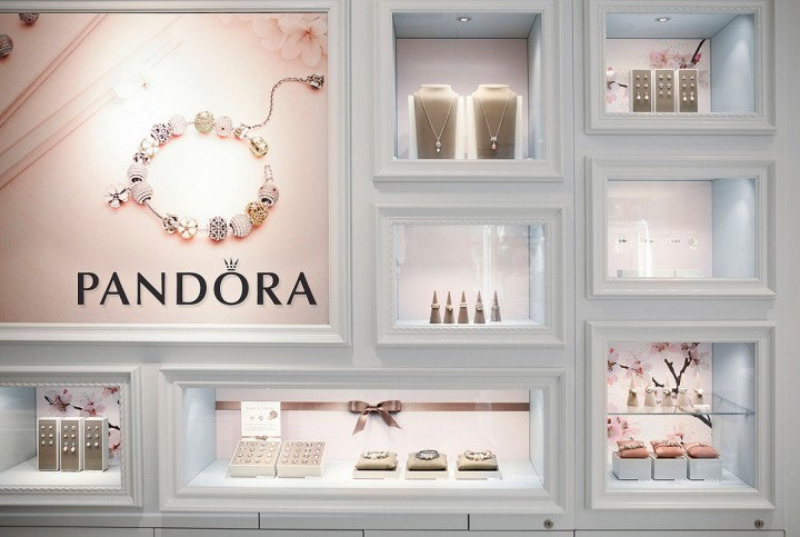 Girly pink elegant pan for a Pandora merchandise store display concept.