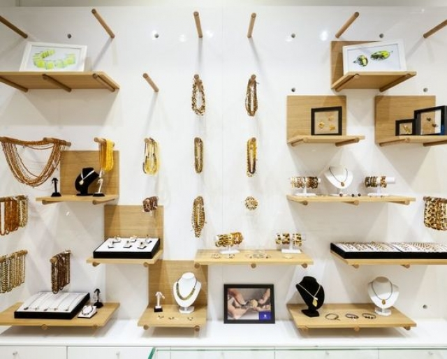 A good creative idea to use pegboard for jewelry display and jewelry store display. In this setting they arranged them in all kinds of different ways.
