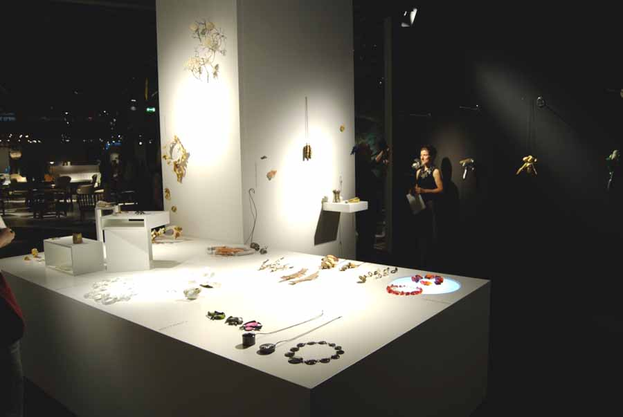 Show Time: Contemporary Jewelry and The Design Fare exhibition of all kinds of jewelry pieces, with a combined black and white contrast for the display room.