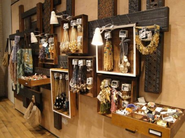 Drawers, boxes, hangers, you name it. Create your own unique setting and use the inspiration from this store visual merchandising jewelry setting.
