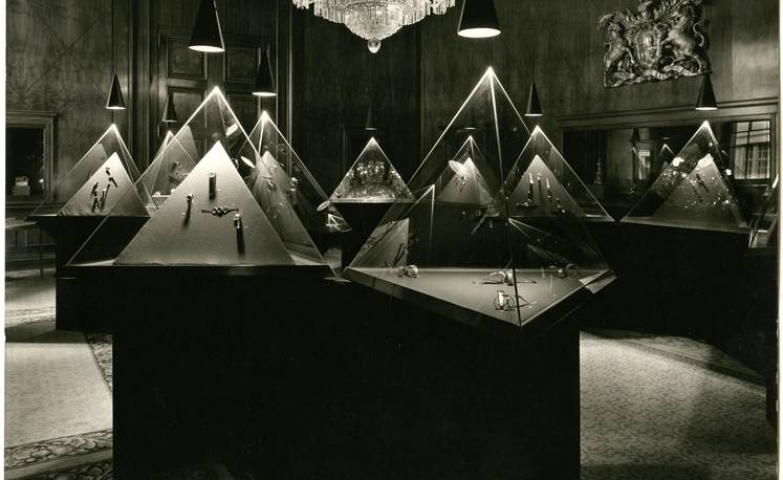Part of the International Exhibition of Modern Jewellery, this '1890-1961' installation was displayed at Goldsmiths Hall.