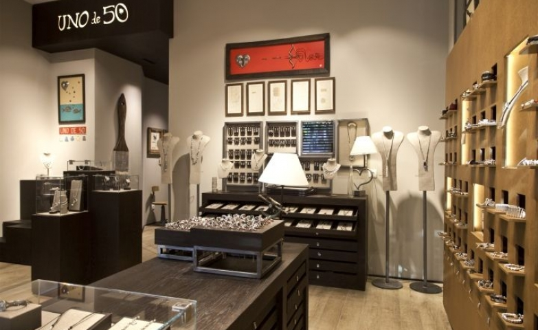 Some inspiration for the interior of the store from the Spanish brand UNOde50 .