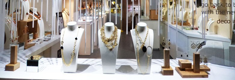 How To Create An Efficient Jewelry Window Display