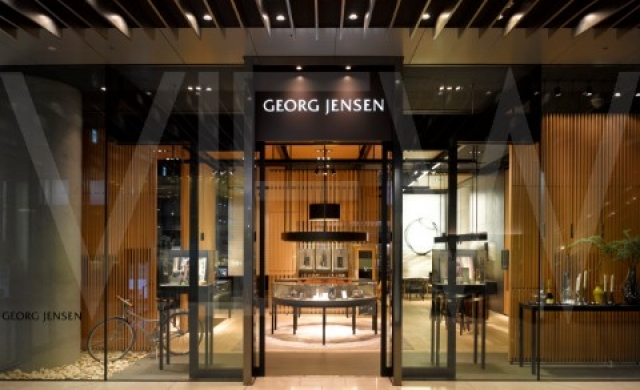 George Jenson Jewellers Store in Japan. From MPA Architects comes another high class shop front design with all glass walls and a cozy display with various elements.