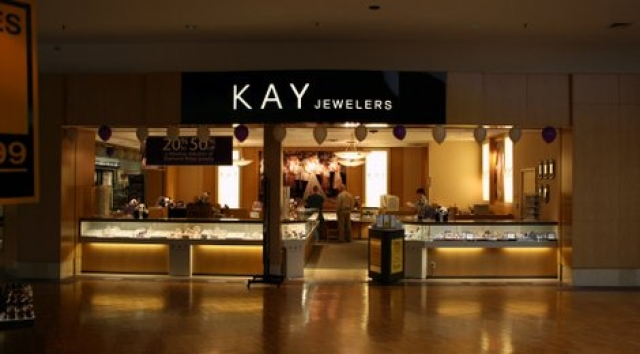 All open concept, you can see the display up close just by passing by. This is Kay Jewellers, who also went for a bright white on black logo to catch the eye of potential customers.