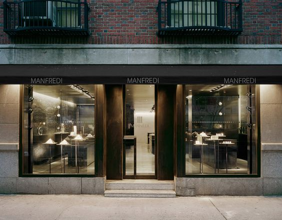 Manfredi Jewelry Store kept it minimal with the design, went for the big glass windows and maintained the urban look for this store in New York.