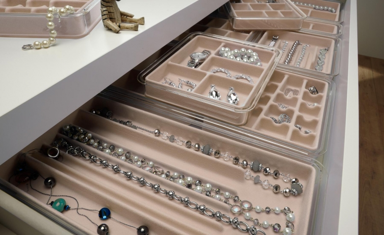 The jewelry organizers trays are always a quick and easy way to keep jewelry, either at home or in a store.